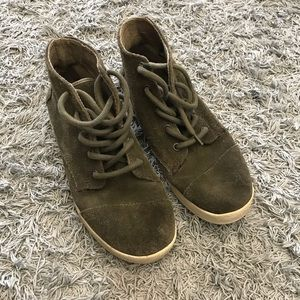 TOMS Paseo Olive Green High Top Sneakers, 8.5